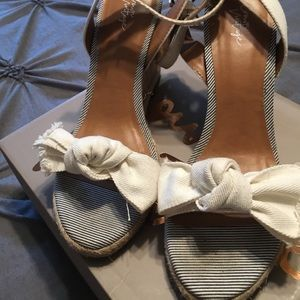 Adorable pin stripe canvas wedges with bow